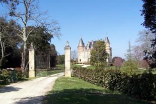 Vue sud-est du Château de Rayne-Vigneau