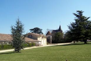 Chais du Château de Rayne-Vigneau