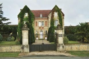 Deutsch: Château Raymond Lafon, Besuch in 2002, eigenes Bild, GNU-Lizenz English: Château Raymond Lafon in Sauternes, photographed in 2002, GNU licence