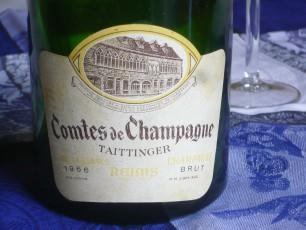Français: L'étiquette d'une bouteille de champagne: une cuvée «Comtes de Champagne» de la maison Taittinger, millésime 1966