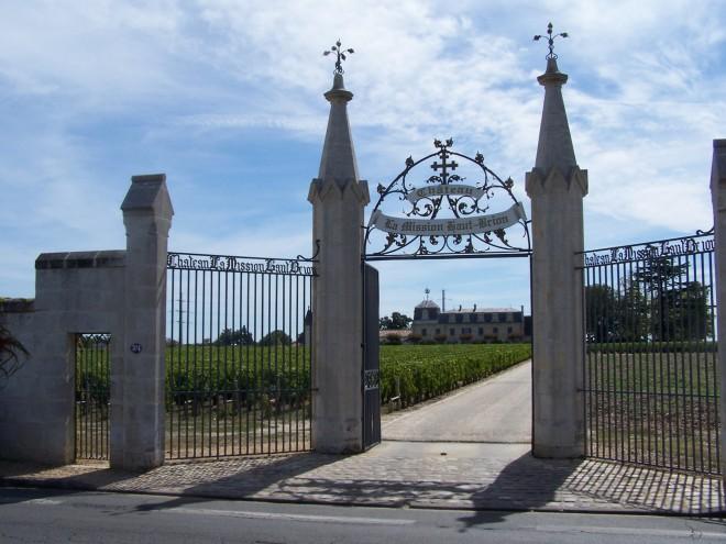 Entrée du Château la Mission Haut-Brion