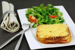 Croque-monsieur - Croque-madame - Sandwich toasté: accords Mets et Vins